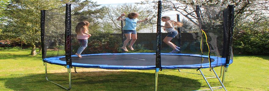 Comment arriver à choisir parmi les divers modèles de trampoline proposés sur le marché ? Les critères à prendre en considération pour faciliter votre choix.